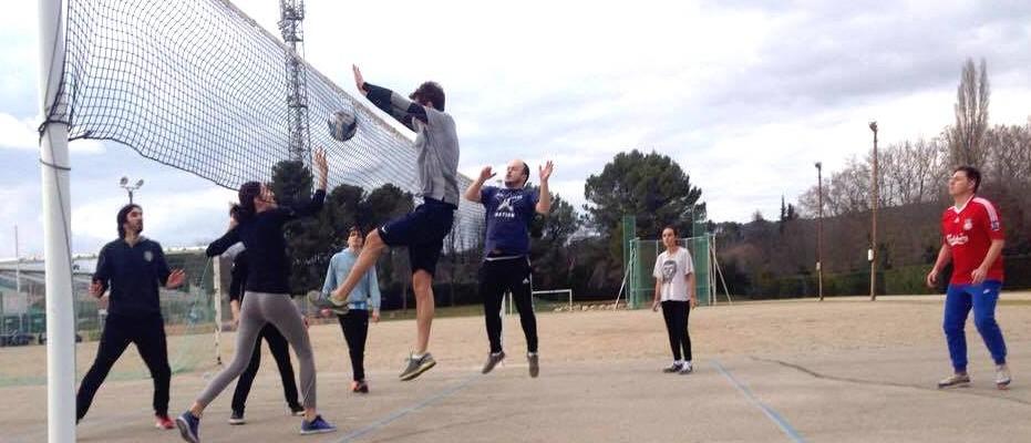 Entrainement de volley pour les étudiants du Magistère JCO