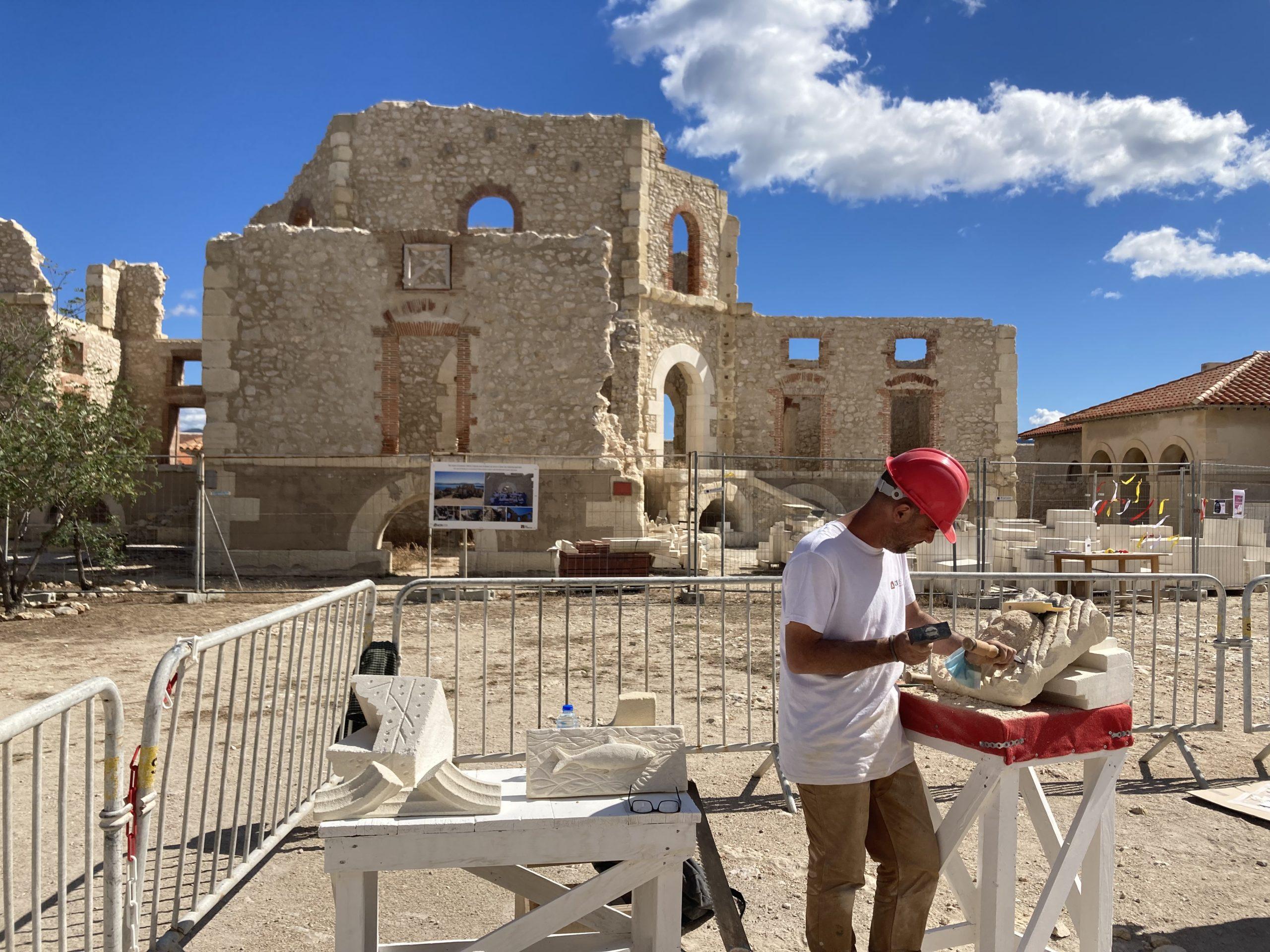 L'Hôpital Caroline et ses salariés se reconstruisent pierre par pierre