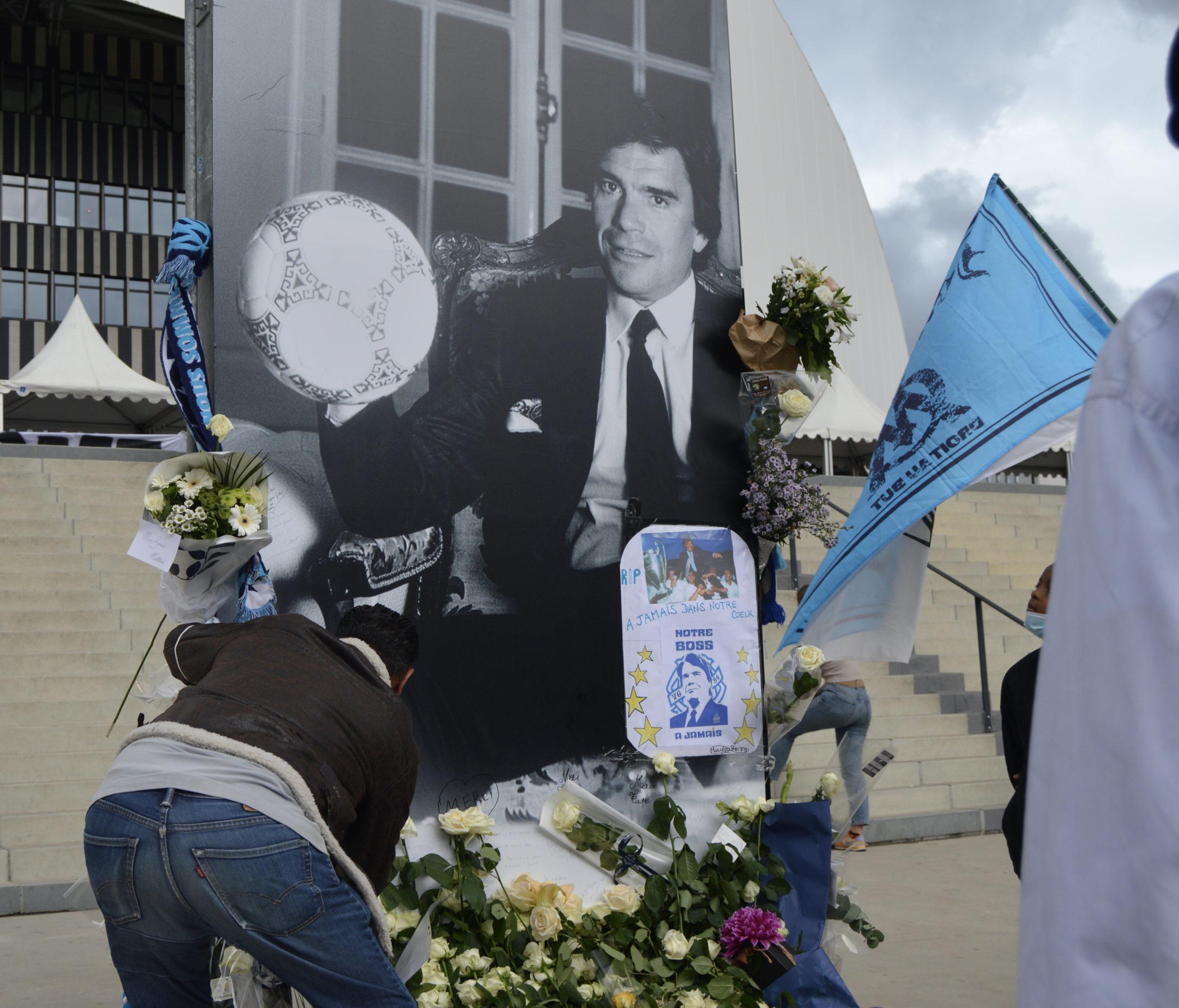 Bernard Tapie : les hommages en photos